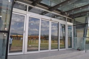 office-solutions-page-aluminium-partitions-pic1
