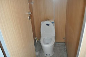 office-solutions-page-toilet-cubicles-1